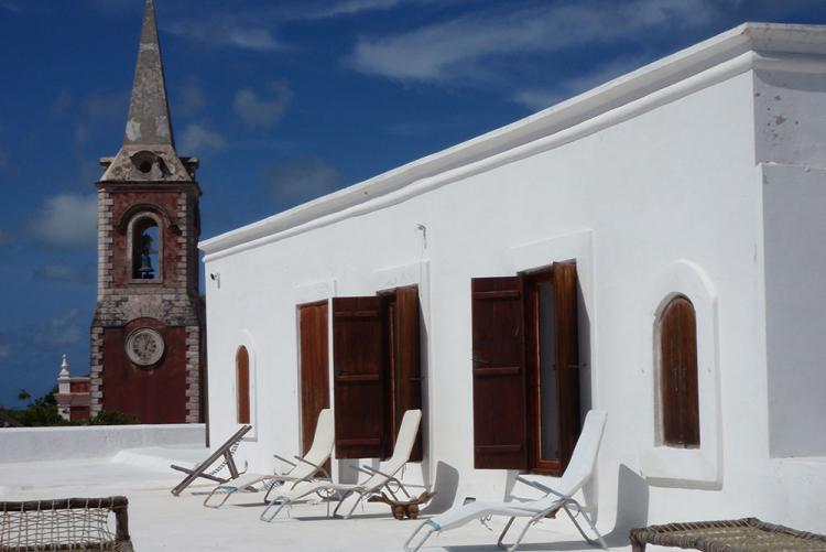 Terrasse de Terraco das Quitandas, hôtel d'Ilha de Mozambique, voyage sur mesure Mozambique