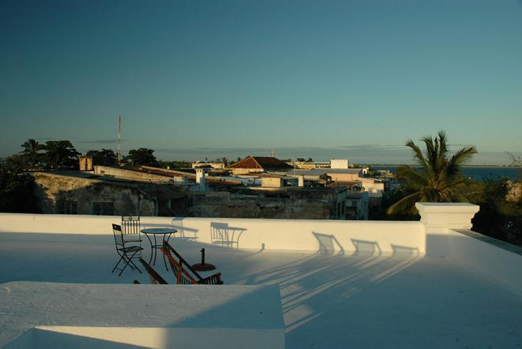 Vue sur la mer à Ilha de Mozambique de l'hôtel Terraco das Quitandas au Mozambique
