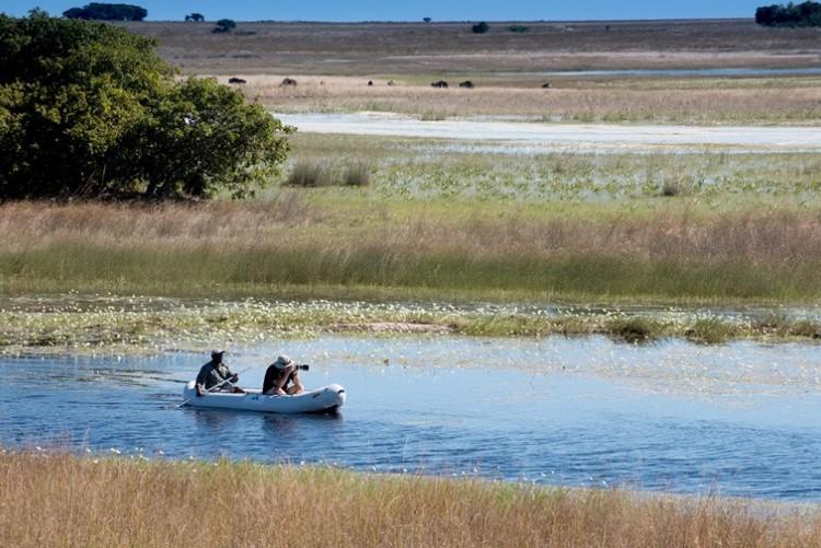 Safaris en canoé à Liuwa Plain à King Lewanika Lodge, Zambie