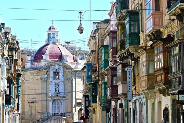 Les rues de La Valette, en voyage sur mesure à Malte