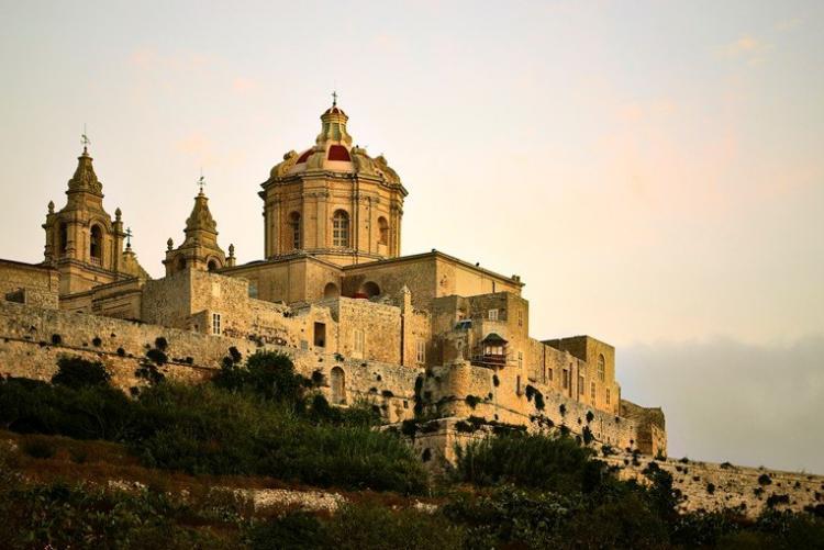 La superbe cité médiévale de Mdina sur Malte. En voyage sur mesure à Malte.