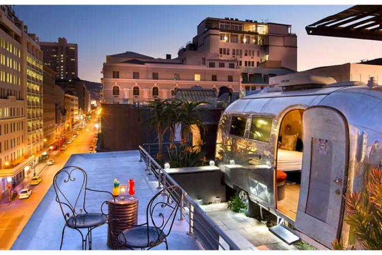 Séjour en caravane sur un toit