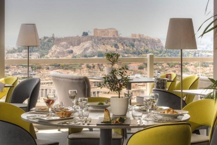 Petit déjeuner avec vue sur l'Arcropole au St Georges Lycabettus  en voyage en Grèce