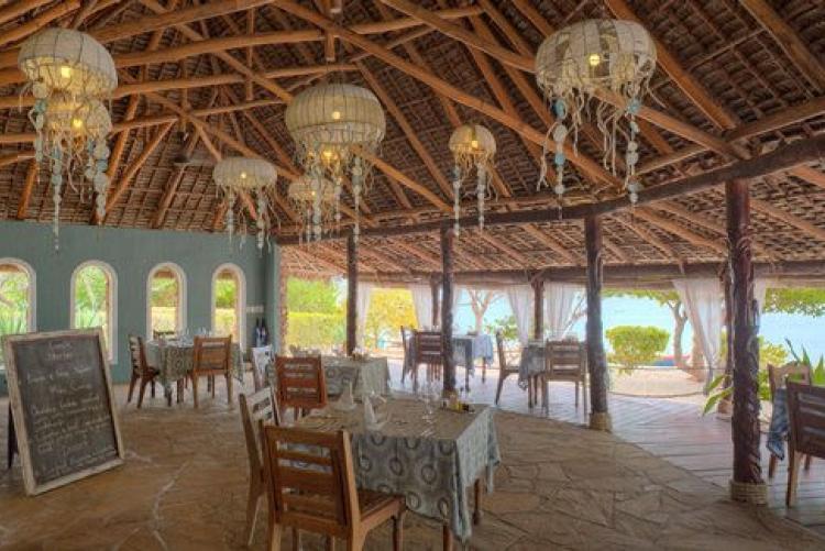 La salle de restaurant de l'Azura Quilalea aux Quirimbas au Mozambique