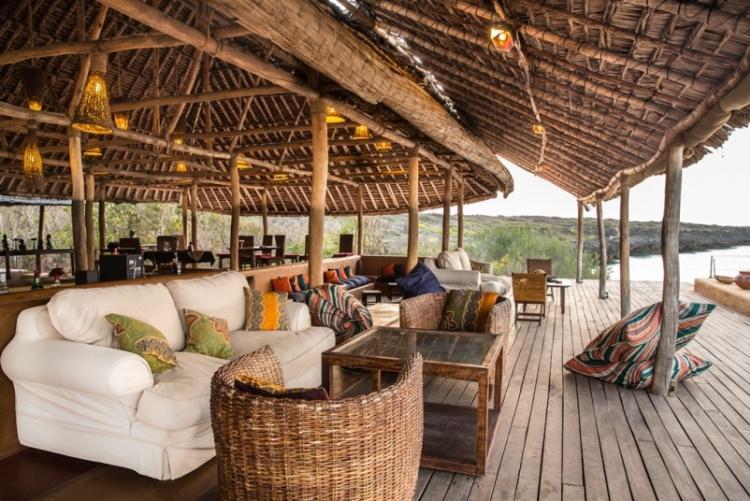 Le beach bar à Nuarro, voyage sur mesure au Mozambique