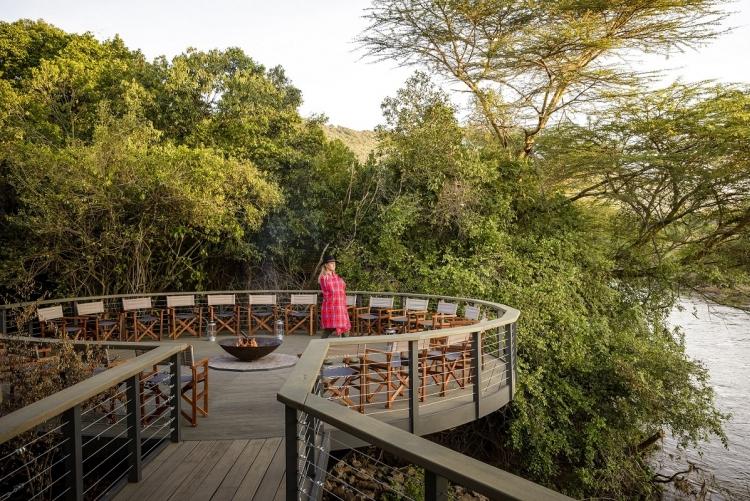 Les terrasses d'Olonana dominent la rivière Mara.