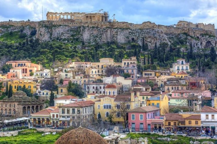 Athènes et le quartier de la Plaka (crédit photo discovergreece.com)