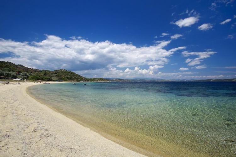 La plage immaculée de l'Eagles Resort en Chalcidique (Voyage en Grèce du Nord)