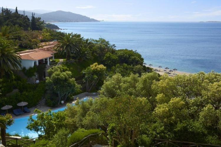 Vue sur la baie depuis l'Eagles Resort en Chalcidique en voyage en Grèce