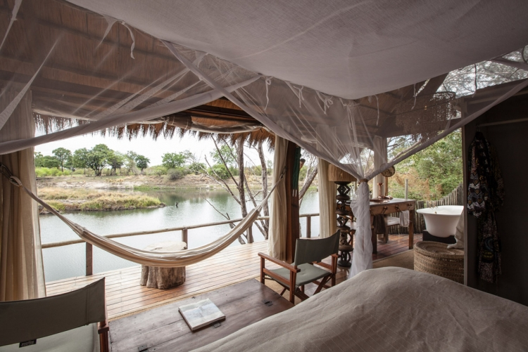 Vue sur le Zambèze depuis votre lit à Sindabezi