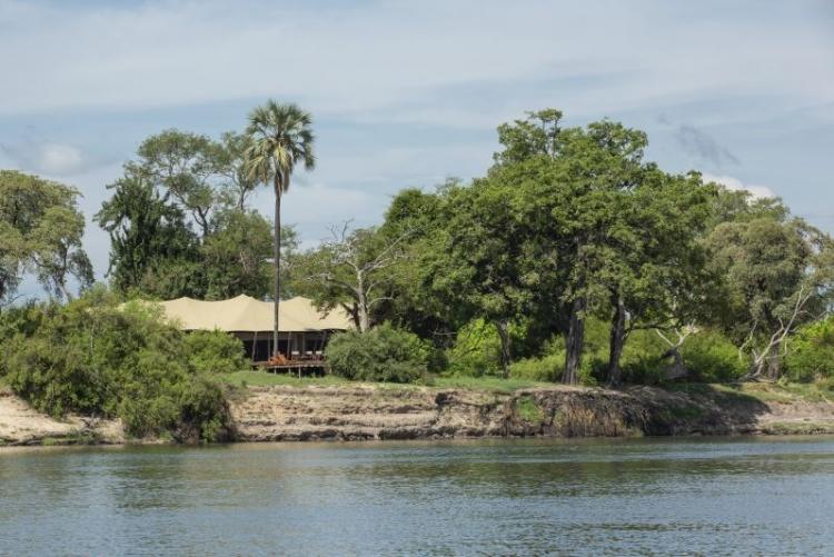 Votre tente au bord du Zambèze au camp de luxe de Mpala Jena