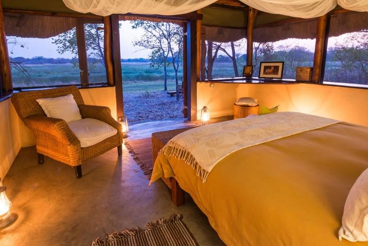 Vue sur la savane depuis  votre lit à Nanzhila Plains en Zambie