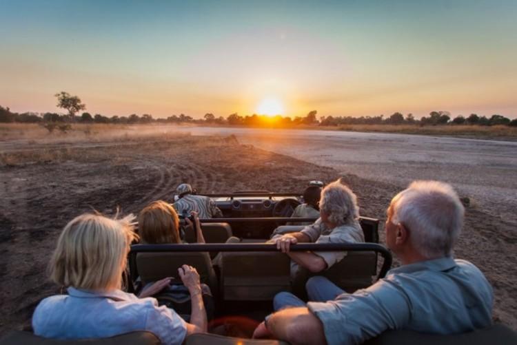 Départ en safari en 4x4 dans la South Luangwa à Chinzombo en Zambie