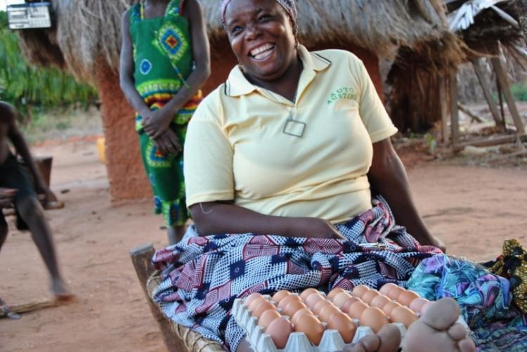L'accueil dans les villages voisins de Nuarro au Mozambique