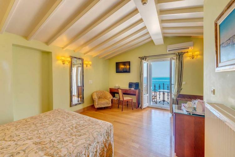 Apollonion Palace, Syros, Superior Suite