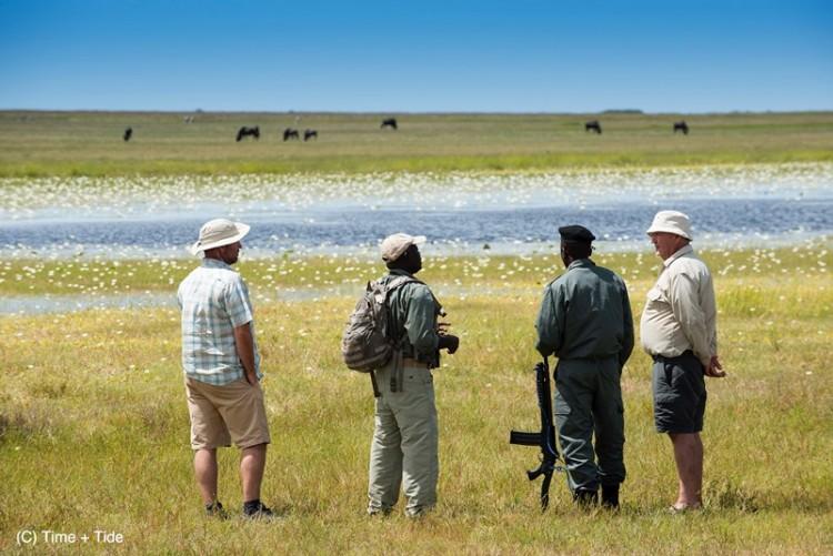 Safari à pied dans le parc de Liuwa Plain en voyage sur mesure en Zambie