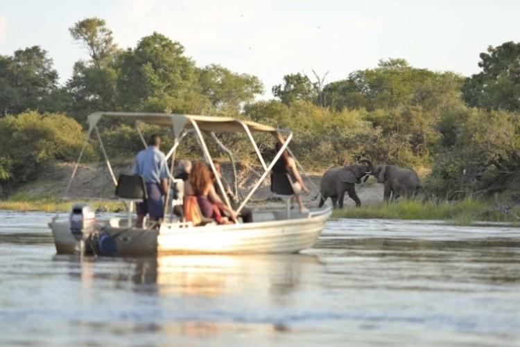 Croisière safari pèche en bateau aux Chutes Victoria - Voyage Zambie Zimbabwe