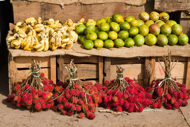 Voyage à Zanzibar, étal de fruits dans la vieille ville