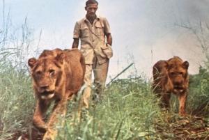 Norman Carr, fondateur des safaris à pied et de l'écotourisme en Afrique