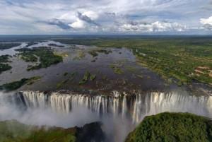 Voyage aux Chutes Victoria, frontière naturelle entre la Zambie et le Zimbabwe